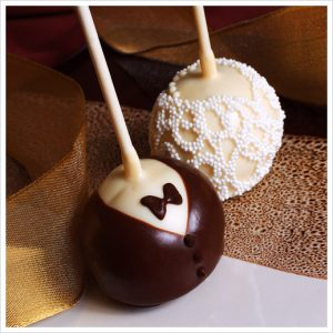 Mini-Wedding-Brownie-Favor-Pops1