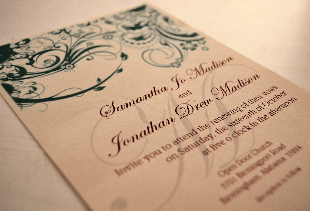 Top 5 Wedding Invitation Etiquette Q&A\'s